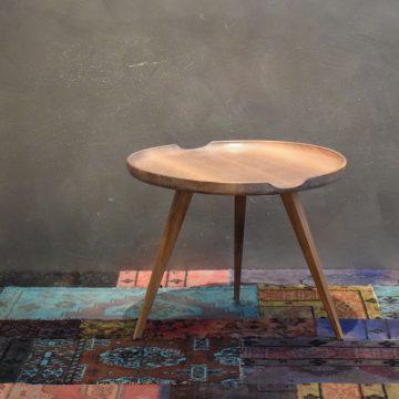 Diófa kis asztal